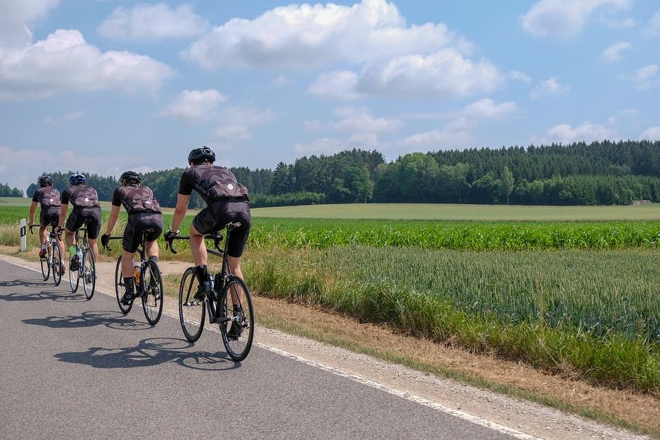 road-bike-3469499_960_720